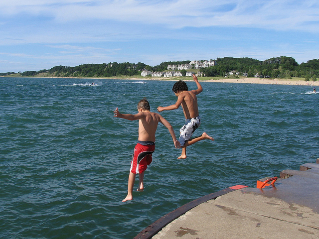 kids-lake-michigan